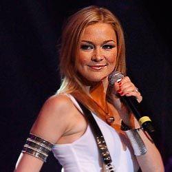 Linda Hesse begrüßt das neue Jahr im Musikantenstadl | Schlager ...