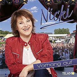 Nicki, Vorhang auf